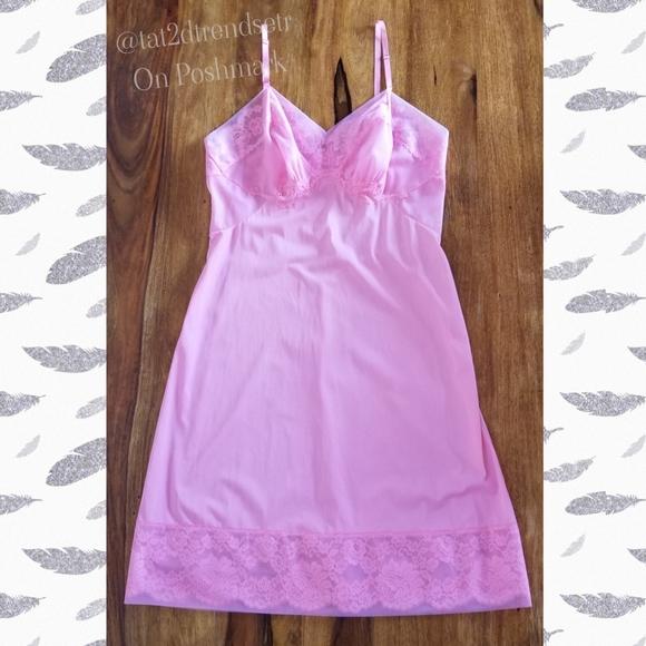 SZ 36 Vintage Vanity Fair Bubblegum Pink Full Slip